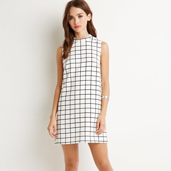 da2eacb376 Forever 21 Dresses   Skirts - Forever 21 Square Pattern Shift Dress Size  Medium